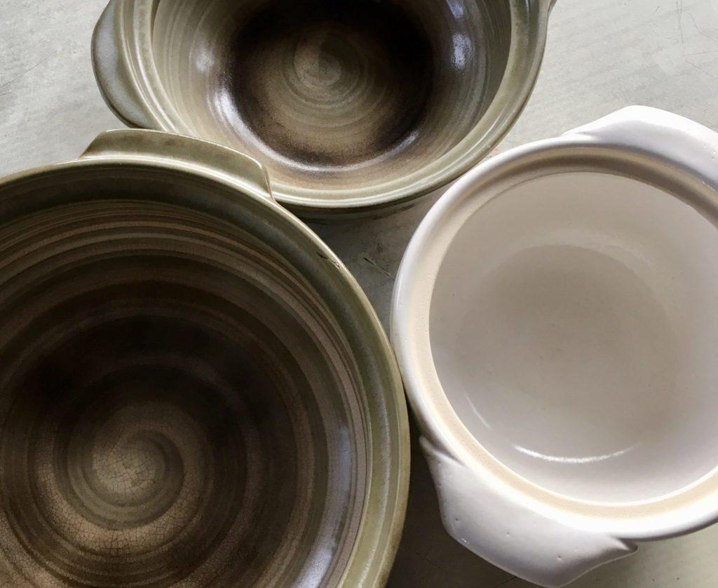 3つ並べた土鍋